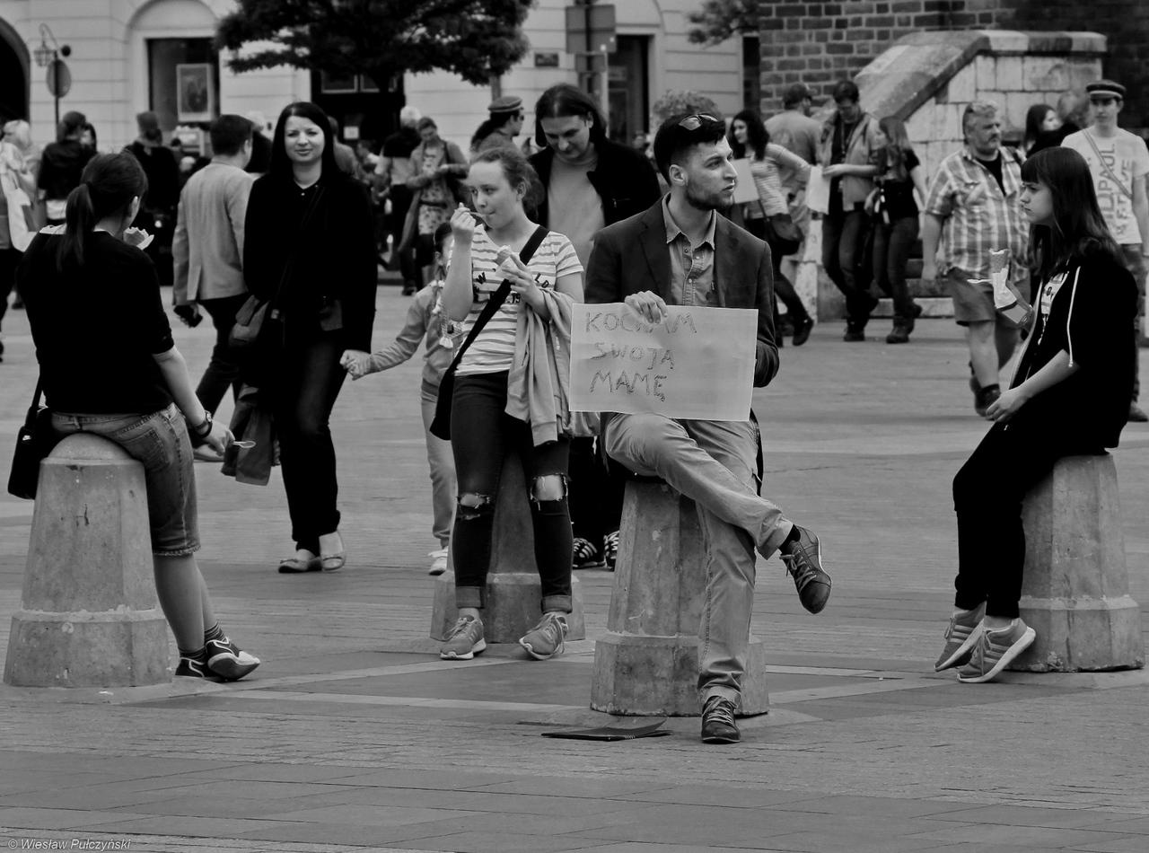 Kraków street photo...Dzień Matki